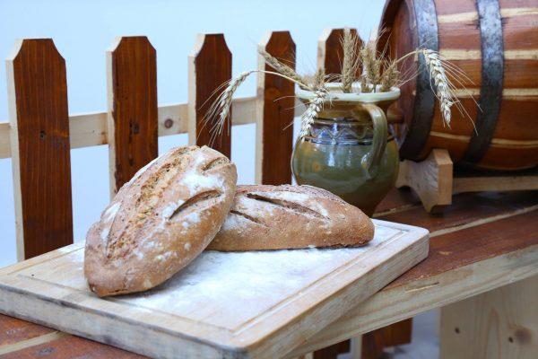 COsul cu paini Paine cu maia Iasi